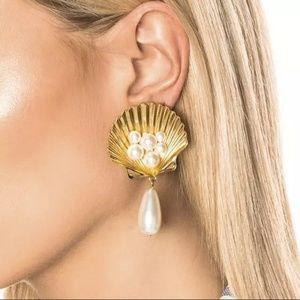 *COMING SOON* Seashell Pearl Earrings